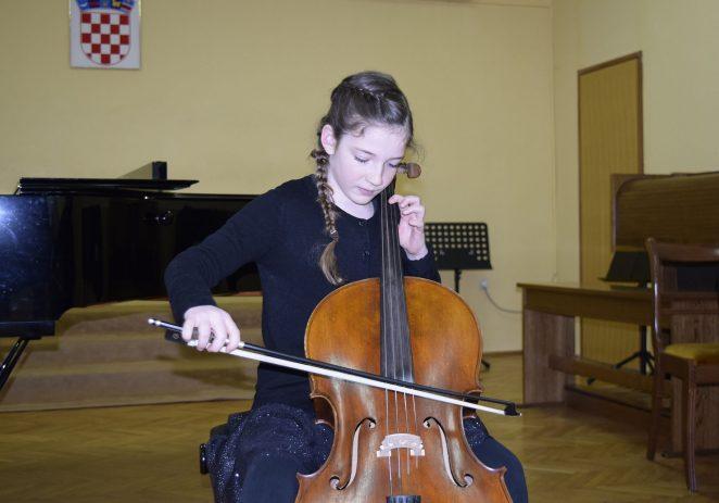 Hana Gubić iz Umjetničke škole Poreč osvojila 2. nagradu na Međunarodnom Internet natjecanju
