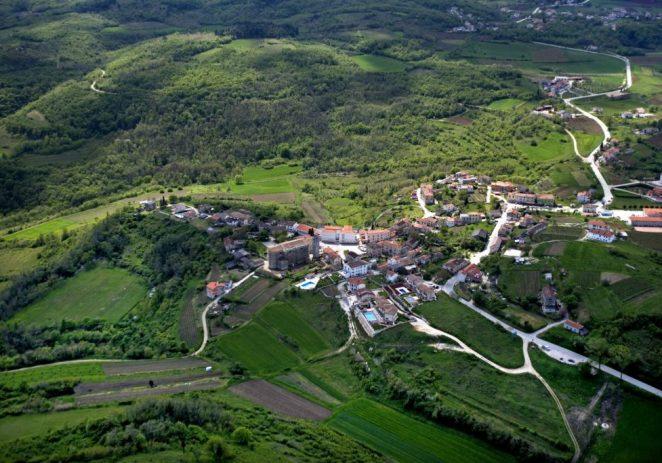 Na području Turističke zajednice Općine Vižinada u prvih pet mjeseci ostvarno 43,3% više dolazaka nego prošle godine