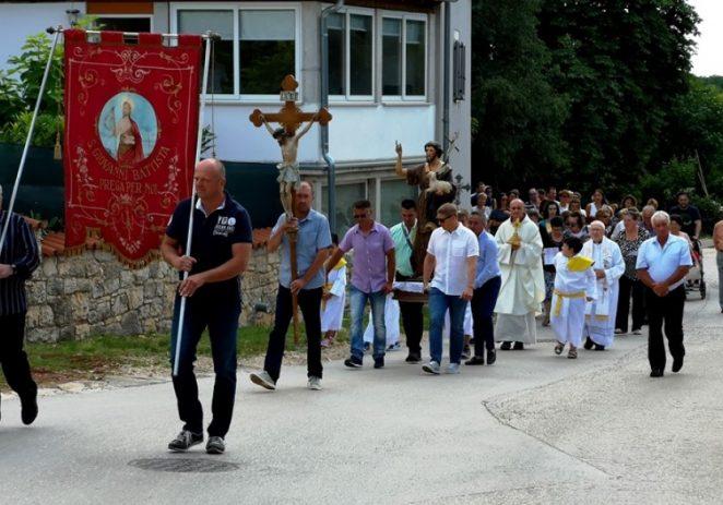 U nedjelju je u Labincima svečano proslavljen Sveti Ivan Krstitelj, zaštitinik mjesta