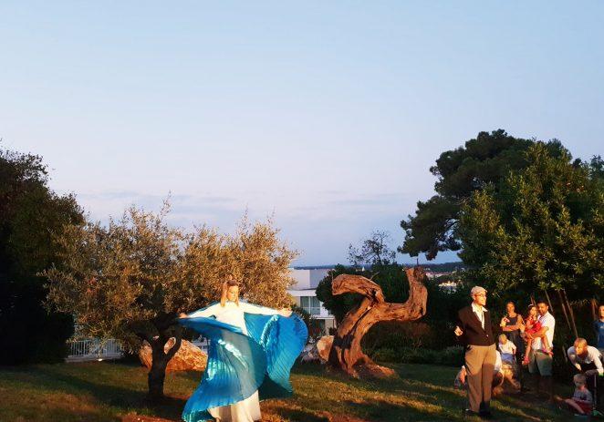 Istra Inspirit otvorio treće izdanje Poreč Open Air Festivala i odveo publiku na putovanje s likovima iz istarske mitologije