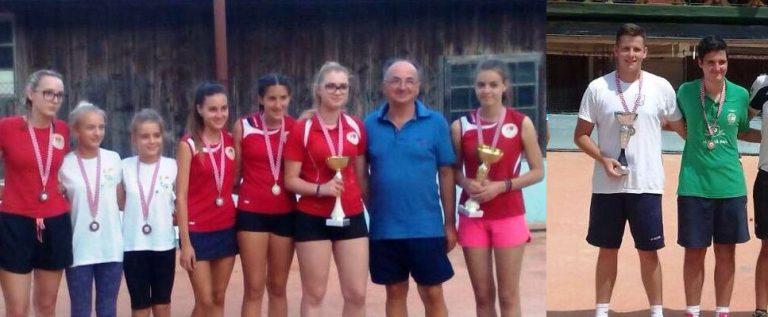 Juniorke - parovi - Antonija Pastorčić i Lorna Klarić treća i četvrta slijeva