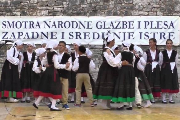 U Sv. Lovreču proteklog vikenda održana 39. smotra narodne glazbe i plesa Istre i Craft beer fest