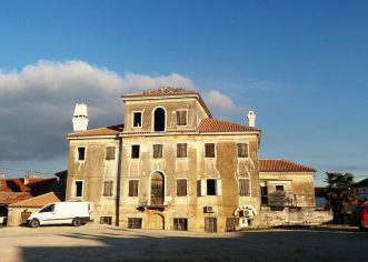 Općina Tar-Vabriga: Ispred starog kaštela uredit će se trg i park