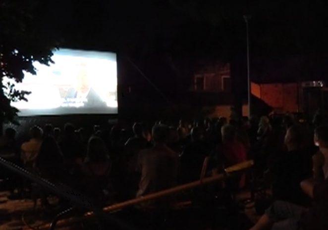 KAŠTELIRSKO LJETNO KINO NA OTVORENOM: Film o poznatom Inspektoru Poirotu okupio brojne posjetitelje