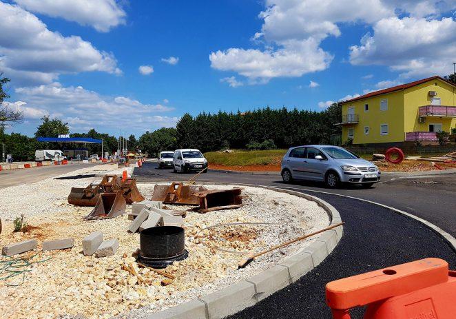 Uskoro sigurniji ulaz u naselje: gradnja rotora u Baderni privodi se kraju