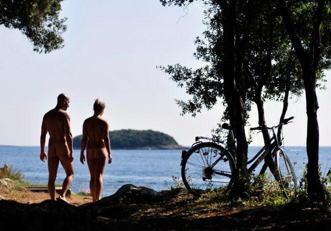 Zatvara se naturistički kamp Istra Sunny u Funtani, ista sudbina slijedi i vrsarskoj Koversadi, prvom naturističkom kampu u Europi !