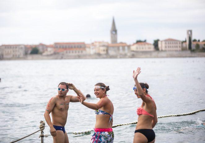 Plivačke utrke, masaže, dobra hrana, izvrsna glazba i  zabava za djecu na 19. Porečkom Delfinu
