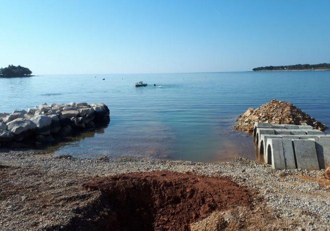 Odvodnja Poreč započela gradnju havarijskih ispusta u uvali Sv. Martin i na Materadi