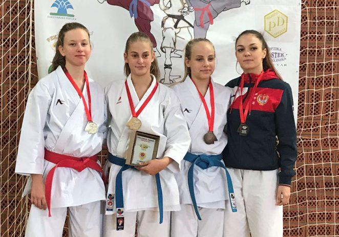"""Flavia Paliaga iz karate kluba Finida osvojila srebrnu medalju na """"karate Darfest""""-u"""