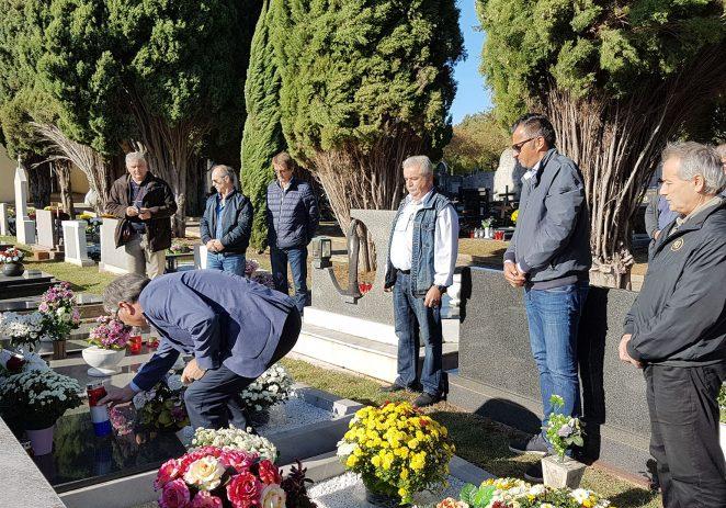 Na grobljima u Funtani i Vrsaru položeni su vijenci i zapaljene svijeće