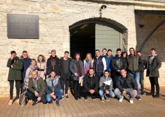 "Europe, we can ! U SŠ Mate Balote u Poreču započinje projekt s temom ""Lamb and olive oil…What else?"