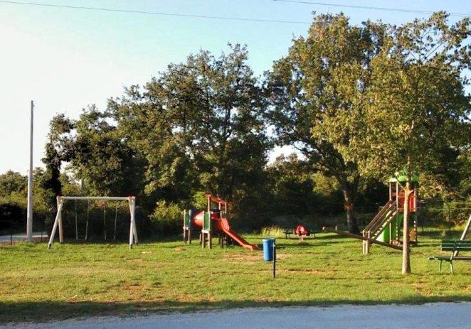 U  uređenje i opremanje dječjih igrališta u 2018. uloženo blizu 300 tisuća kuna