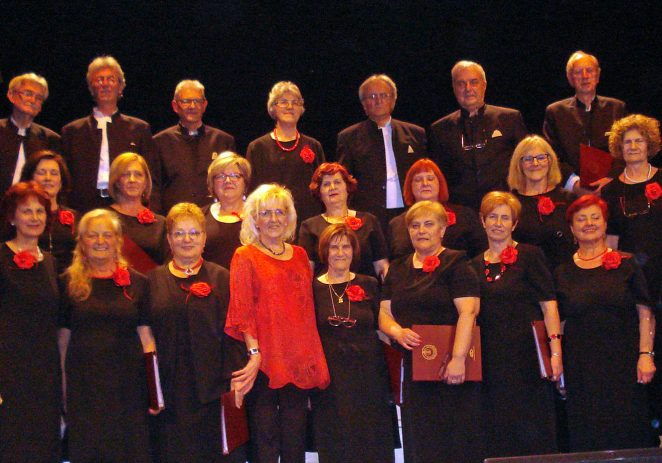 Mješoviti pjevački zbor Joakim Rakovac nastupio na Adventu Poreč i održao Božićni koncert u kazališnoj dvorani POUP-a