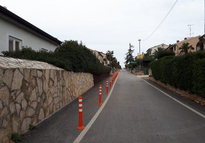 Uređenje pješačkih koridora prema novoj školi Finida – uređuju se nogostupi u naselju Finida i u ulici Stipe Rajka, postavljeni stupići u Pulskoj ulici