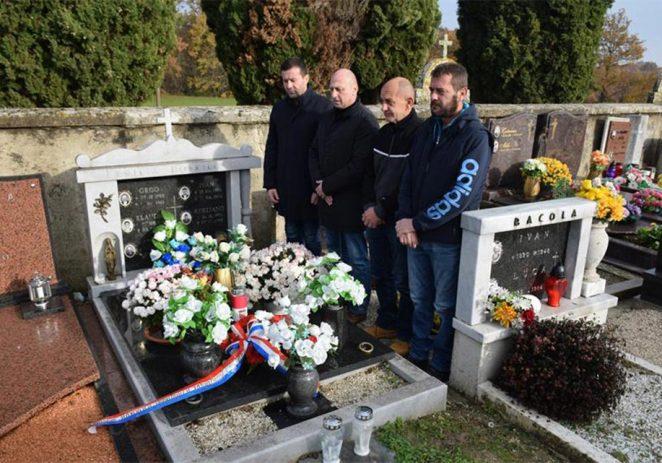 Vižinada: Obilježena godišnjica pogibije Adrijana Dobrilovića