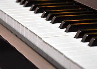 Koncert klavirskog dua, sestara Anamarie i Marie Bilandžić u petak, 1. veljače u Koncertnoj dvorani Umjetničke škole Poreč