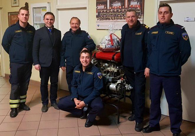 Gradonačelnik Peršurić u novogodišnjoj noći obišao dežurne službe