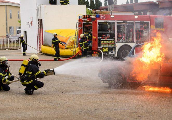 POŽAR KUĆE U MJESTU BONACI: Brza intervencija vatrogasaca