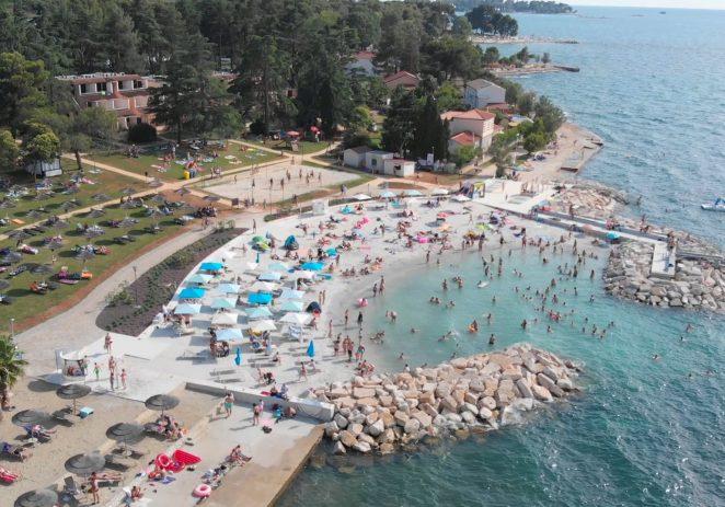 U četiri godine Poreč uredio sedam gradskih plaža, uskoro kreće uređenje plaže Špadići – Materada