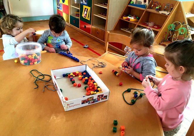 Kroz igru i zabavu u DV Radost s djecom rade na razvijanju fine motorike