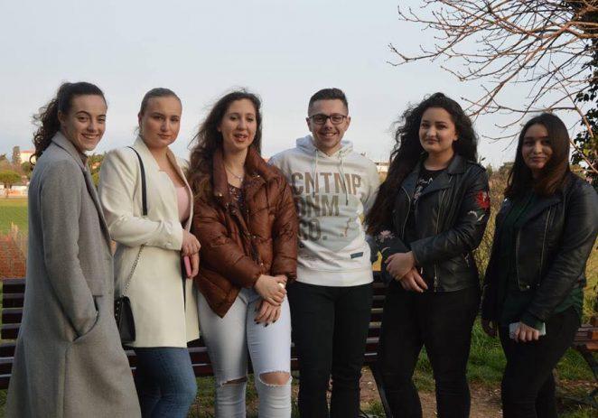 """Na nacionalnu razinu  kviza """"Čitanjem do zvijezda"""" ide 10 učenika SŠ Mate Balote"""