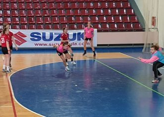 Rukometašice ŽRK Poreč upisale su još jedan poraz u proljetnom dijelu prvenstva, kadetkinje pobijedile