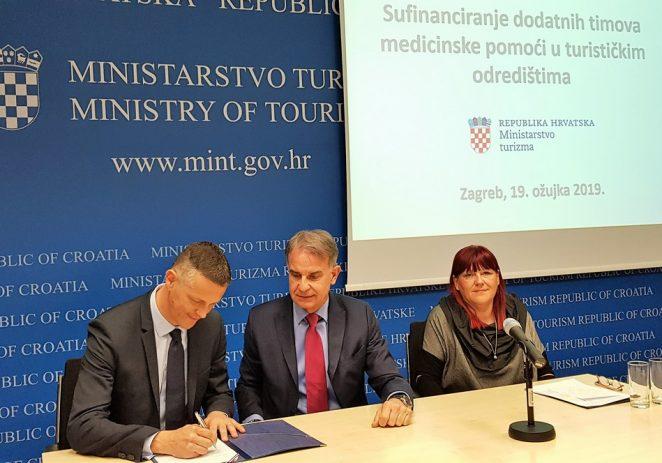Potpisani Ugovori o sufinanciranju dodatnih timova medicinske pomoći u turističkim odredištima