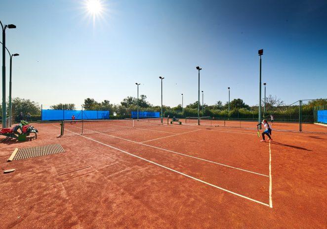 """U Vrsaru započinje 35. izdanje  međunarodnog teniskog turnira za djevojčice i dječake do 12 godina """"Memorijala Slavoj Greblo"""""""