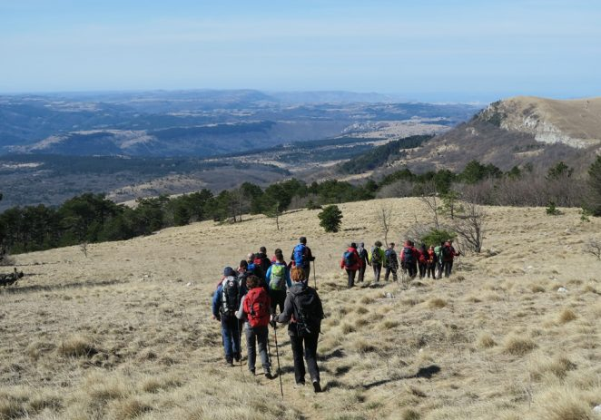 Na Žbevnici prvi puta održana edukacija za vodiče nacionalnog Planinarskog saveza