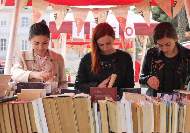 U četvrtak na BOOKtigi: Antikvarijati, procjena i aukcija starih knjiga, čitamo u paviljonu i gost večeri Zoran Predin
