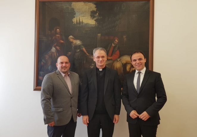 Gradonačelnik Peršurić i predsjednik Gradskog vijeća Jakus na uskršnjem prijemu kod biskupa Kutleše