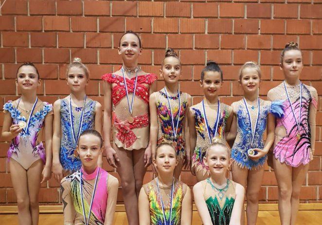 Uspješan nastup ritmičkih gimnastičarki Poreča na Županijskom natjecanju B programa