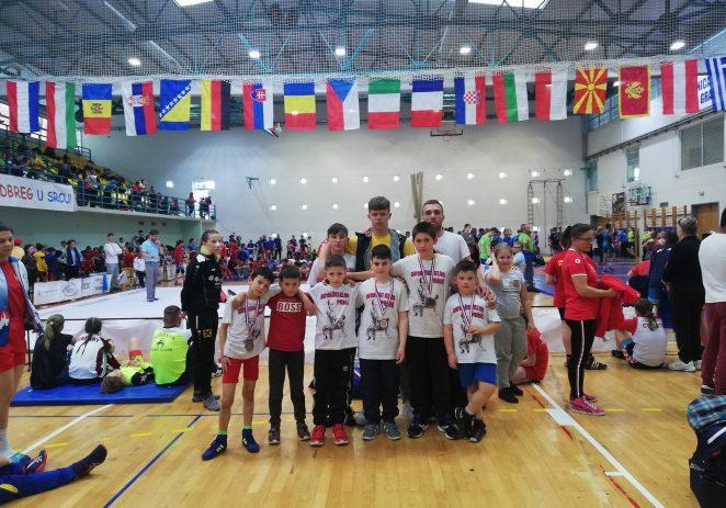 Porečki mladi hrvači s medaljama na tuniru u Ludbregu