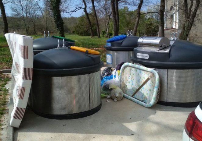 Usluga Poreč poziva građane da pravilno odlažu otpad u predviđene spremnike