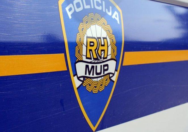 Policija ga zaustavila, a on prevozio ukradene pločice iz jednog hotela