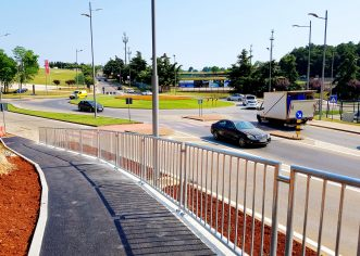 Dovršena staza do Doma zdravlja te spoj Kaštelirske i Vrsarske ulice, nogostupi i rampe za osobe s invaliditetom u Špadićima