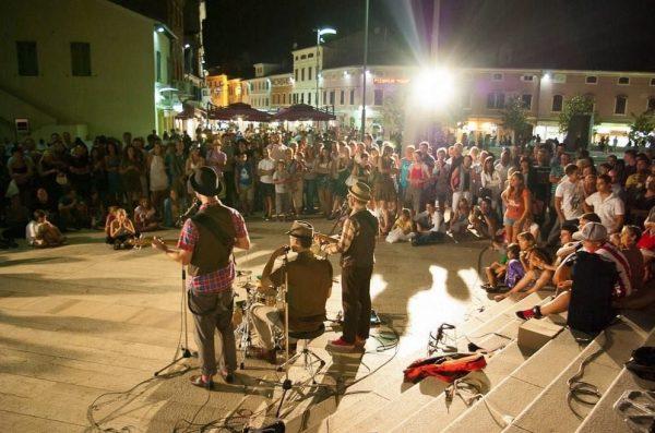 Grad Poreč objavio javni poziv za izdavanje odobrenja za ulične svirače