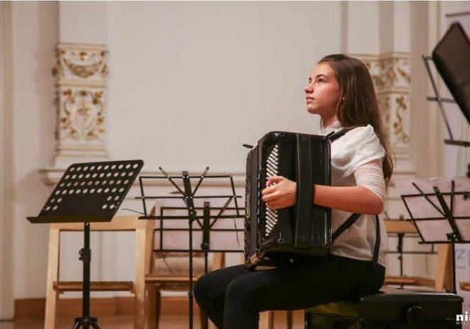 U četvrtak, 27. lipnja koncert Antonele Glavić (harmonika) u crkvi u Žbandaju