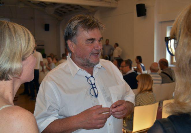 Jakovčić predstavio prvu autorsku knjigu Parfait !
