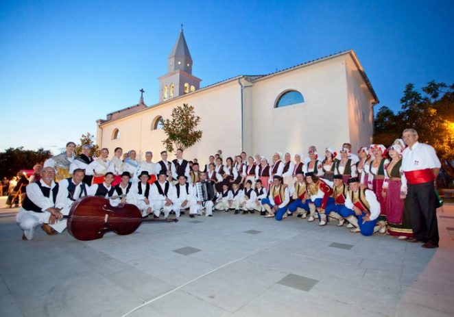 Istarska folklorna večer u Funtani u utorak, 2. srpnja