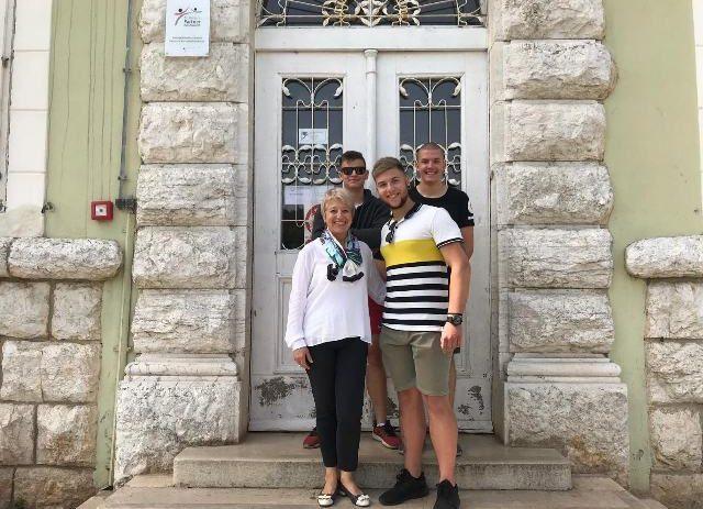 Srednja škola Mate Balote nagrađena s 5.000 kuna od strane Hrvatske udruge poslodavaca