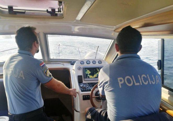 Traga se za muškarcem koji je nakon nesreće s jet-skijem pao u more između Funtane i Vrsara