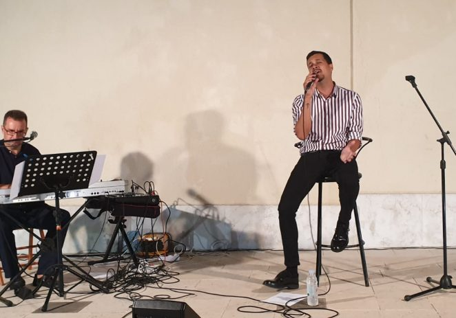 Izvrstan koncert Marka Tolje uz pratnju Vladimira Babina sinoć u Funtani