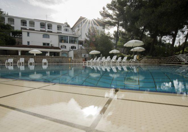 Vrhunski smještaj sezonskih radnika u Valamaru, na raspolaganju imaju i bazen