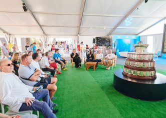 Na umaškom turniru izložen jedan od najpoznatijih sportskih pehara težak više od 100 kg