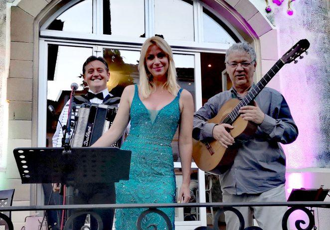 Večeras na trgu Sv. Bernarda u Funtani održati će se koncert Tria Sentimento