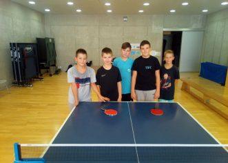 Mladi stolnotenisači Tara sudjelovali u Ljetnom stolnoteniskom kampu u Novigradu