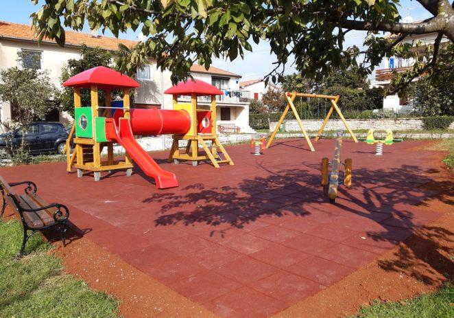 Obnovljeno dječje igralište u Funtani
