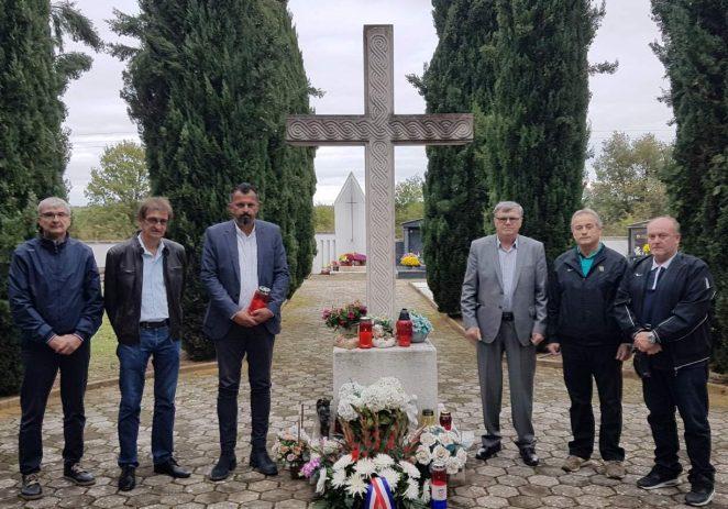Obilježen blagdan Svih svetih na groblju u Funtani