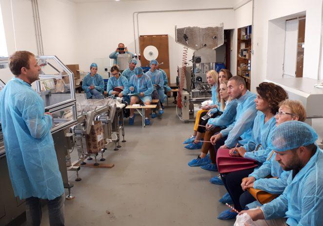 Mjesec poduzetništva u Poreču: Porečani posjetili prvi hrvatski pogon za proizvodnju slamčica od papira